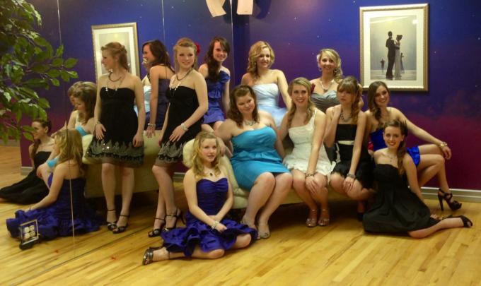 Prom Dress Exchange Models