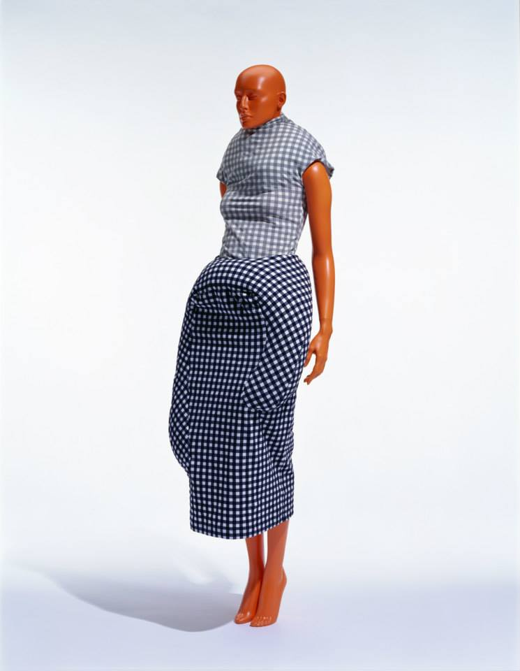 Plain-weave top and skirt with down pads