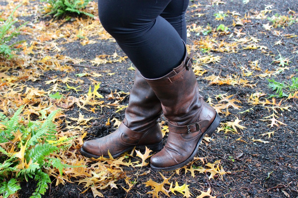 Jaleh Leggings and Frye Veronica Slouch Boots