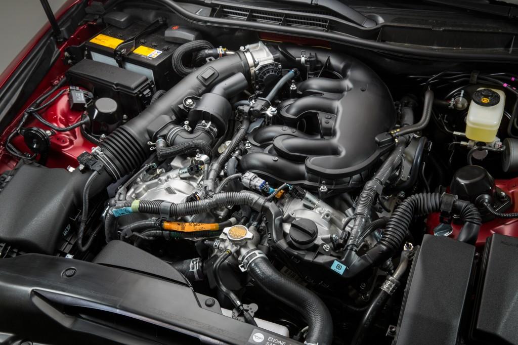 2014_Lexus_IS_350_F_SPORT_017