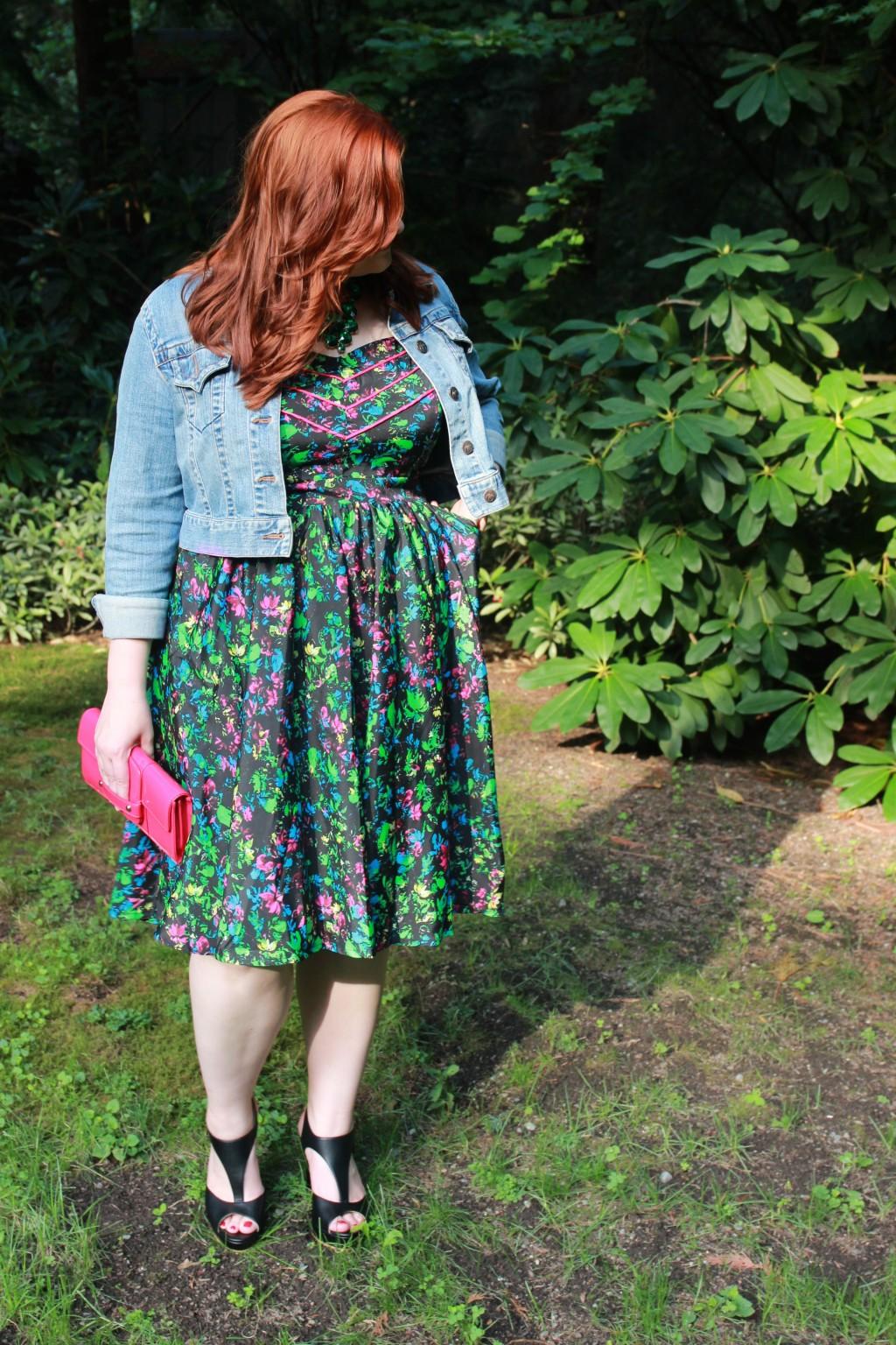 Feminine Style Plus Size Fashion Blogger