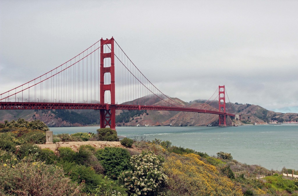 Golden Gate Bridge near bike trail