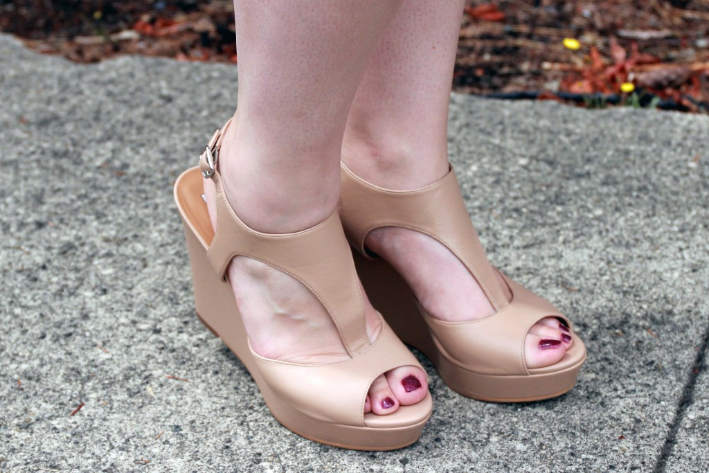 Comfortable nude wedges