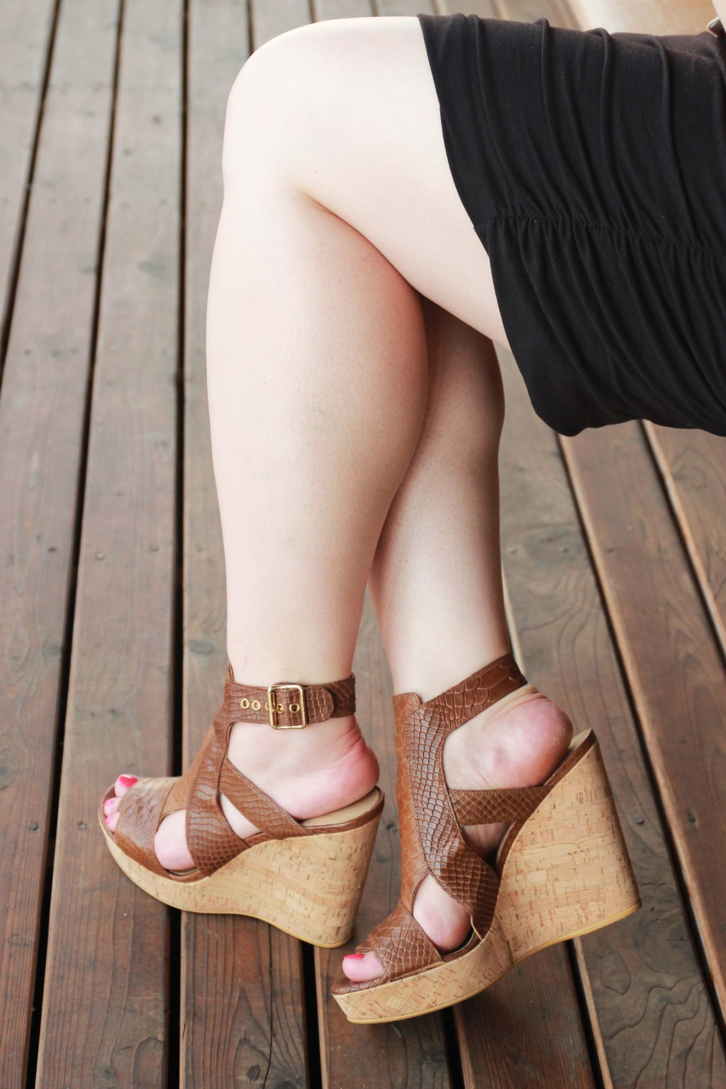 Stuart Weitzman Wedges & Ruched Dress detail