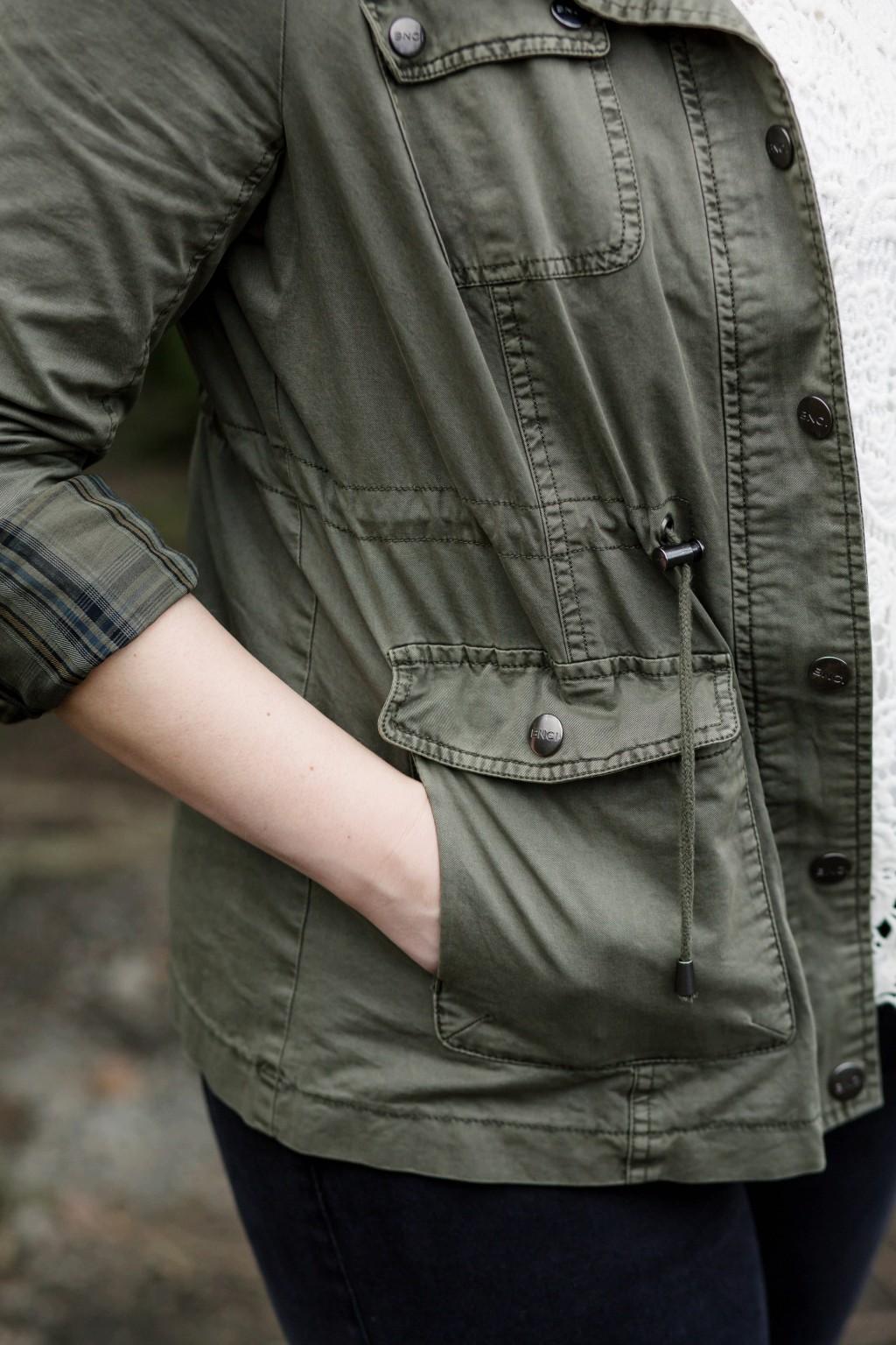 8 - cinch waist detailing green jacket