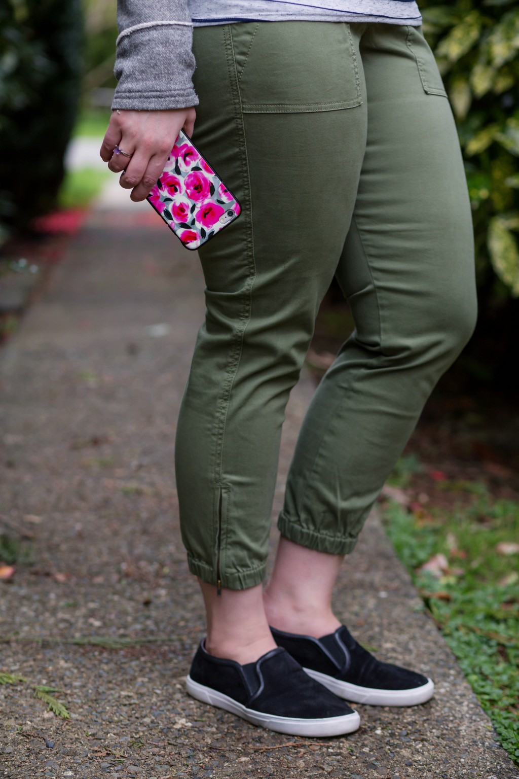3 - Cabi Traveler pant green cargo pants