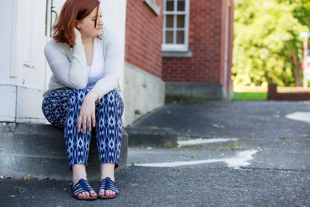2 - Lightweight printed pants in summer