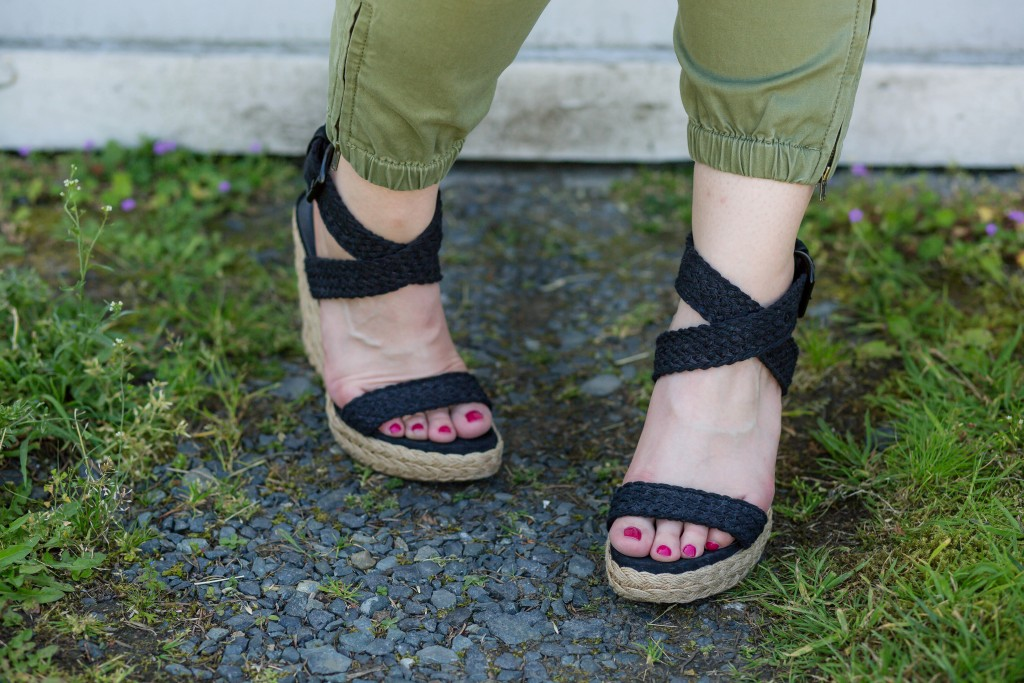 10 - classic black wedges for summer