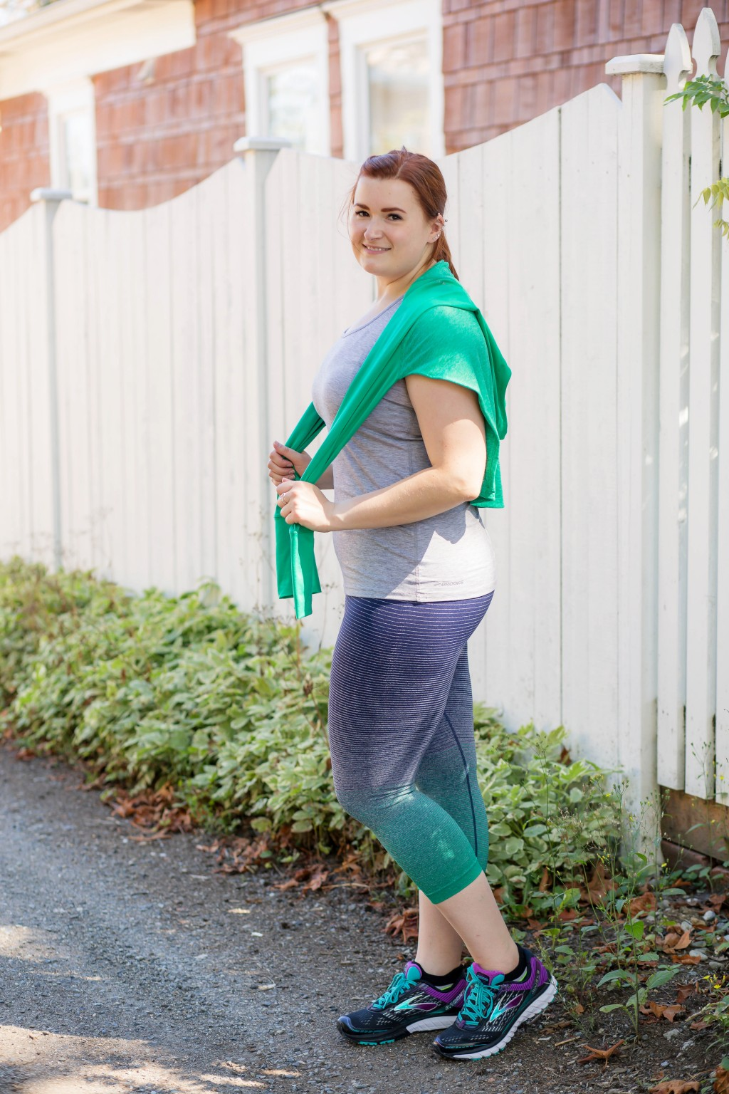 6-blue-green-and-gray-workout-outfit