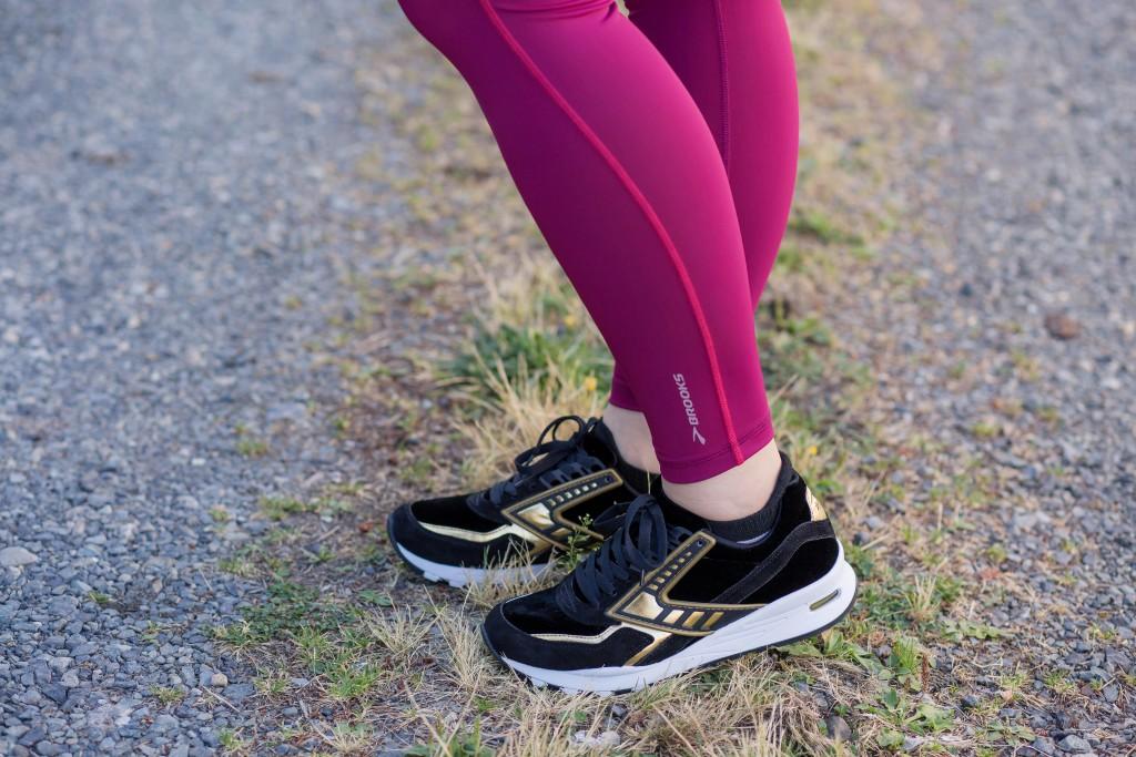 14-brooks-running-regent-sneaker-black-velvet-and-gold