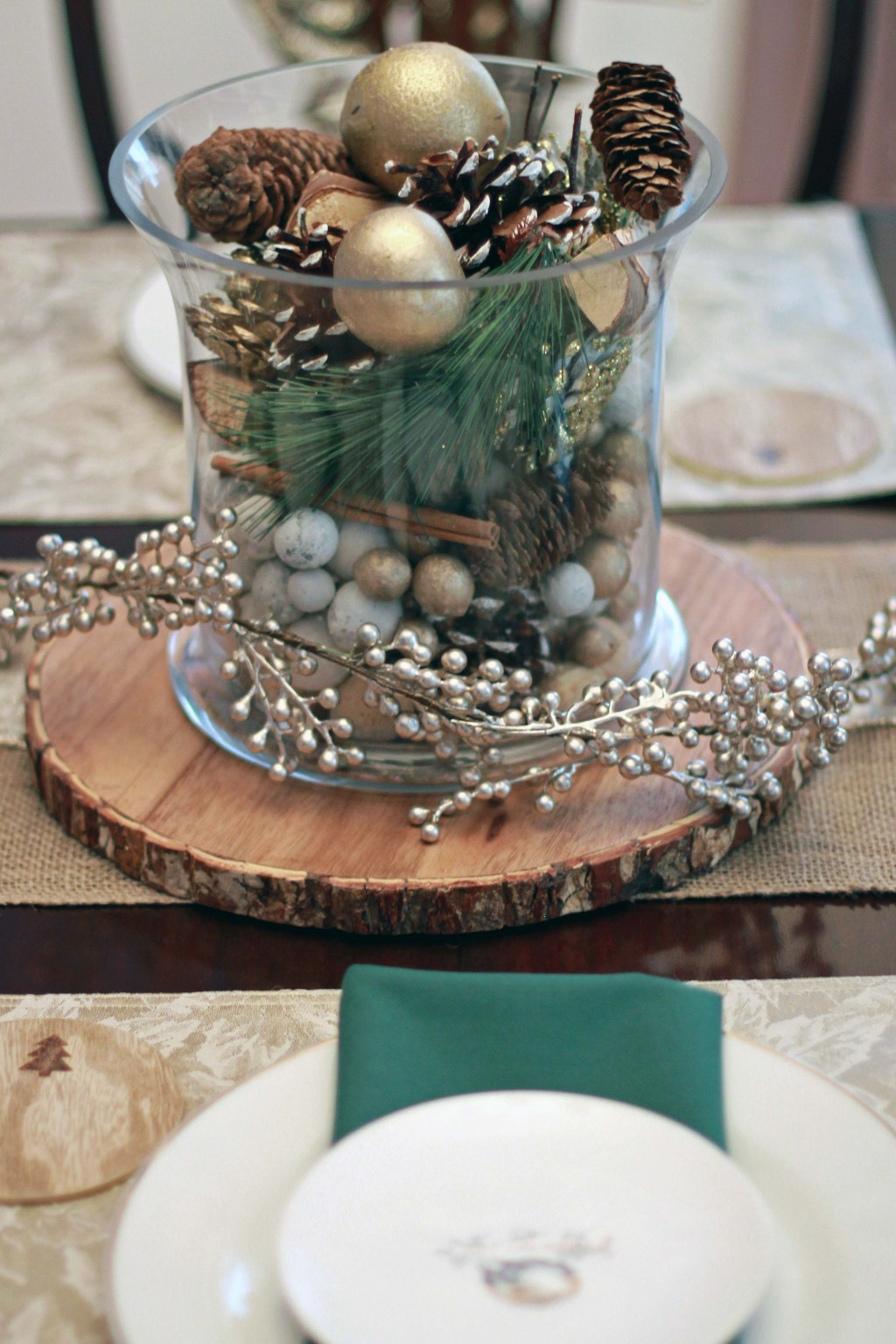 21-gold-and-green-centerpiece