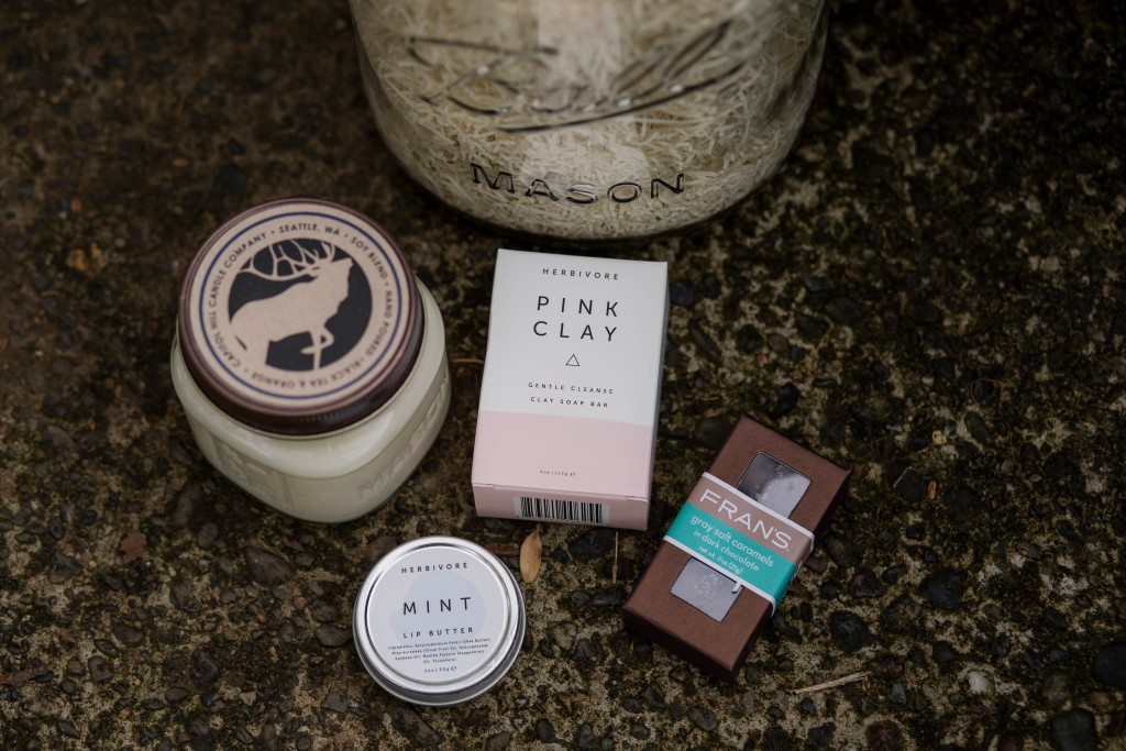 3-creating-your-own-holiday-gift-with-locally-sourced-gifts