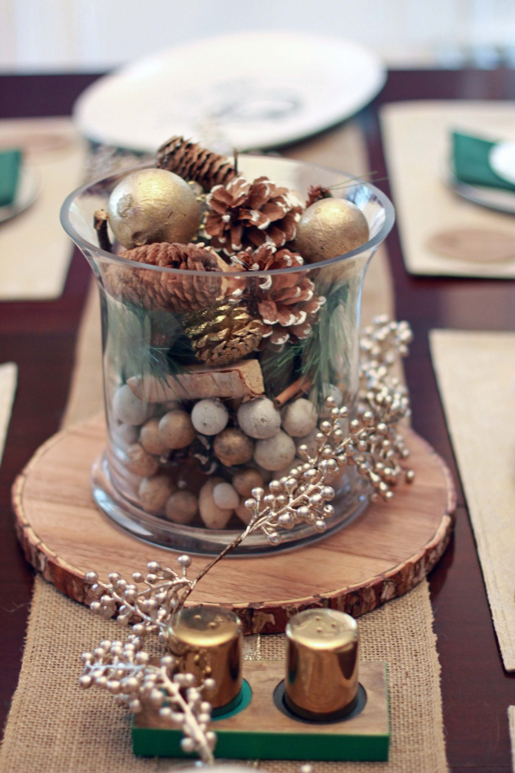 4-natural-colored-fall-themed-centerpiece