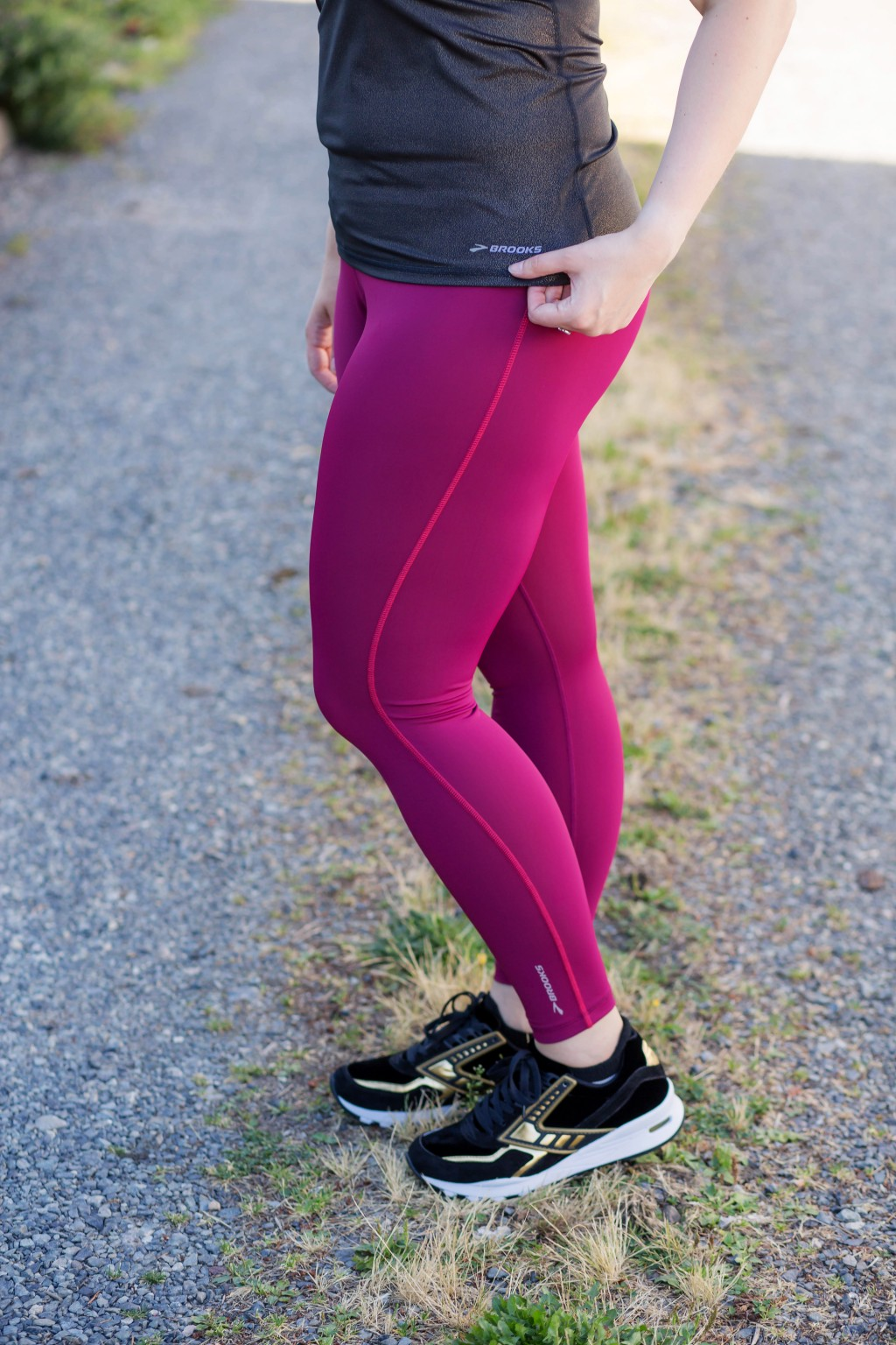 7-brooks-running-womens-go-to-tights-in-maroon