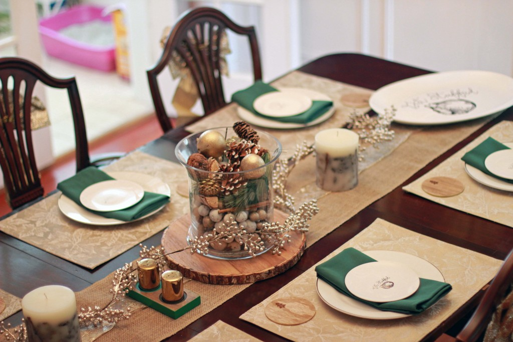 8-white-gold-green-and-burlap-table-setting