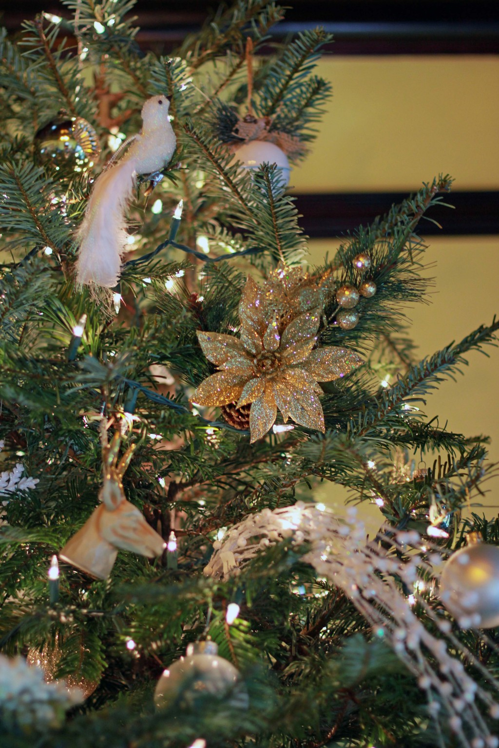 3-gold-and-white-tree-ornaments